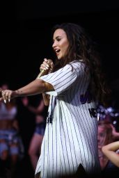 Demi Lovato – Performs at Billboard Hot 100 Fest in New York 08/19/2017