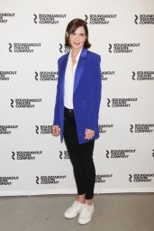 """Elizabeth McGovern – """"Time and The Conways"""" Cast Photocall in NYC 08/24/2017"""
