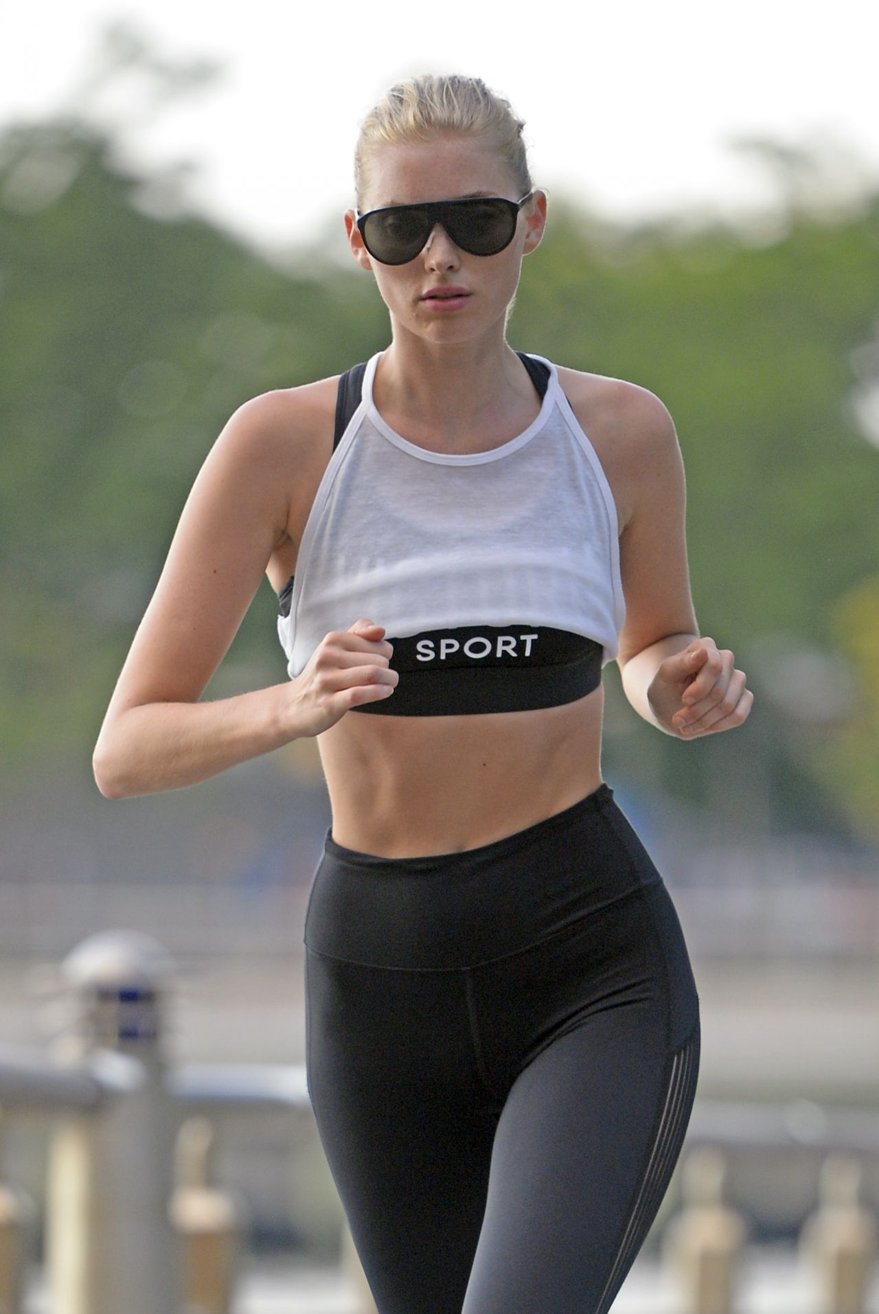Elsa Hosk Out For A Jog In Nyc 08 03 2017