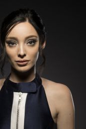"""Emma Dumont - 2017 Summer TCA Portraits for """"The Gifted"""""""