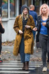 "Emma Stone - ""Maniac"" Set in Downtown Manhattan 08/14/2017"