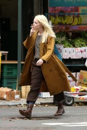 """Emma Stone - Shooting Scenes on the Set of """"Maniac"""" in NYC 08/15/2017"""