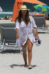 Eva Longoria - Enjoys a Day at the Beach in Miami 08/06/2017