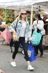 Genevieve Hannelius Sports a New Hairstyle - Farmers Market in Studio City 08/20/2017