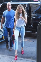 Gigi Hadid Casual Style - Midtown, New York 08/28/2017