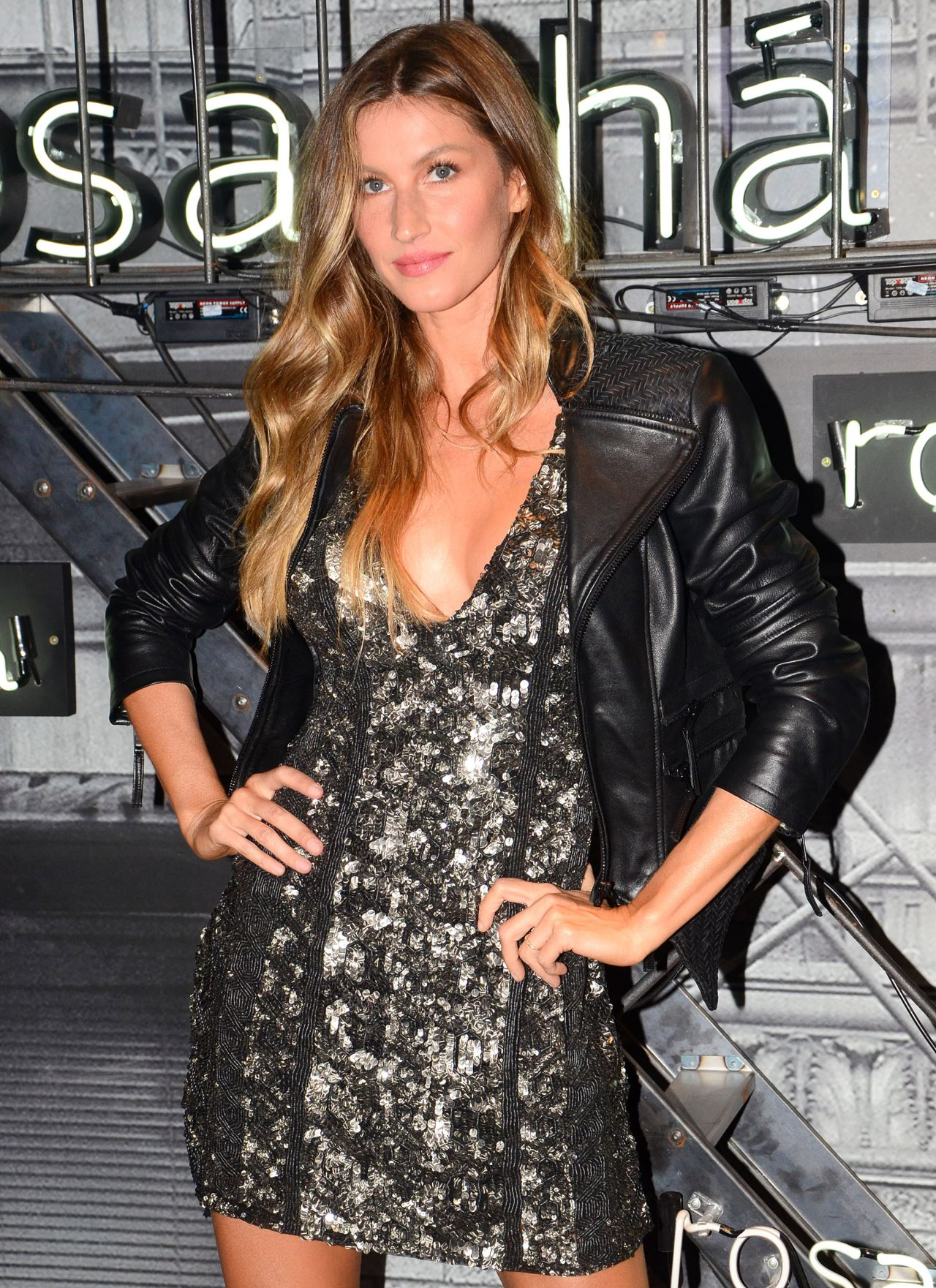 Gisele Bundchen - Rosa Cha Summer Collection Lauch Event ... Gisele Bundchen