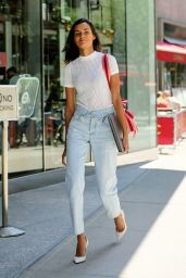 Gizele Oliveira Style - Arrives at Casting for 2017 Victoria's Secret Fashion Show in NYC 08/17/2017