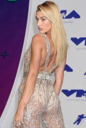 Hailey Baldwin – MTV Video Music Awards in Los Angeles 08/27/2017