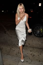 Hailey Baldwin Style and Fashion Inspirations - Leaving Craig
