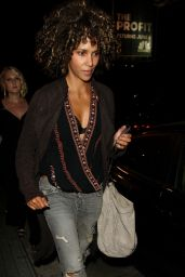 Halle Berry Looking Fashionable - Los Angeles 08/16/2017