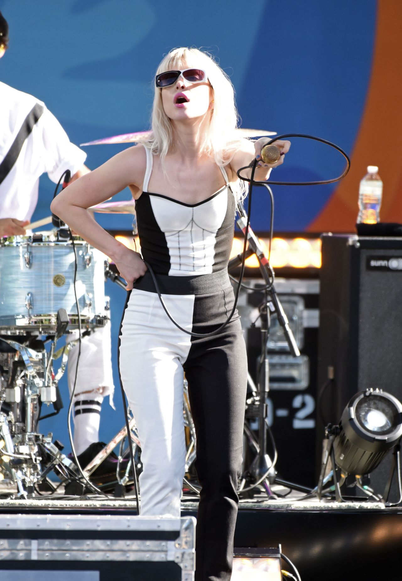 Hayley Williams Performs Live On Good Morning America S