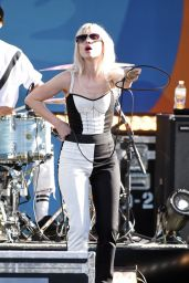 Hayley Williams - Performs Live on Good Morning America