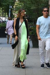 Heidi Klum in Casual Attire - Out to Lunch in New York