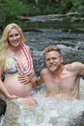 Heidi Montag in a Wading Pool - Vacation in Hawaii 08/02/2017