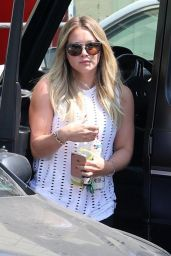 Hilary Duff - Arriving at the Fitness Factory in Los Angeles 08/23/2017