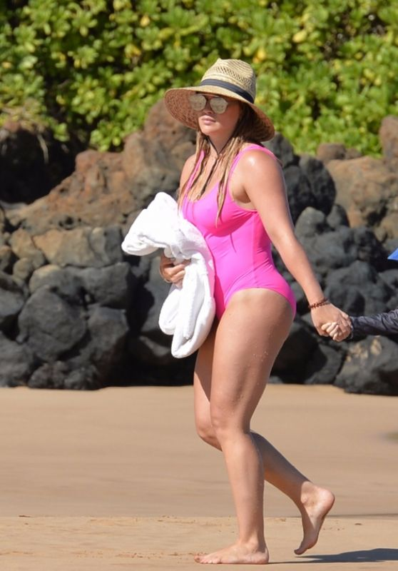 Hilary Duff in Swimsuit 08/06/2017