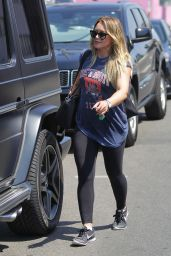 Hilary Duff Street Style - Shopping in West Hollywood 08/30/2017