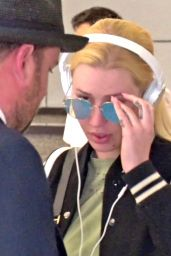 Iggy Azalea Travel Style - Arriving at an Airport 08/13/2017