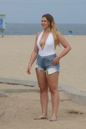 Iskra Lawrence - Films a Project at Venice Beach in LA 08/14/2017