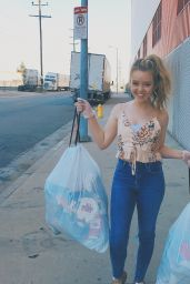 Jade Pettyjohn - Social Media Pics, August 2017