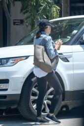 Jenna Dewan Tatum - Picks Up an Iced Coffee in Los Angeles 08/22/2017