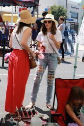 Jenna Dewan Tatum - Shopping at the Farmer