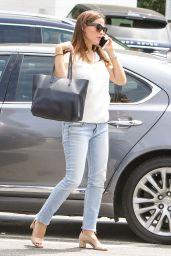 Jennifer Garner in Jeans - Out in Los Angeles 08/15/2017