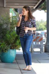 Jennifer Garner - Out in Brentwood 08/21/2017