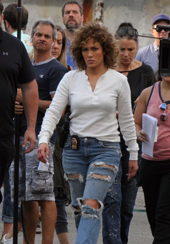 "Jennifer Lopez at the ""Shades of Blue"" Set in Queens 08/24/2017"