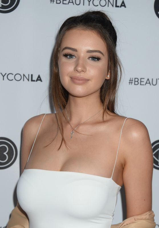 Jess Conte – Beautycon Festival in Los Angeles 08/13/2017