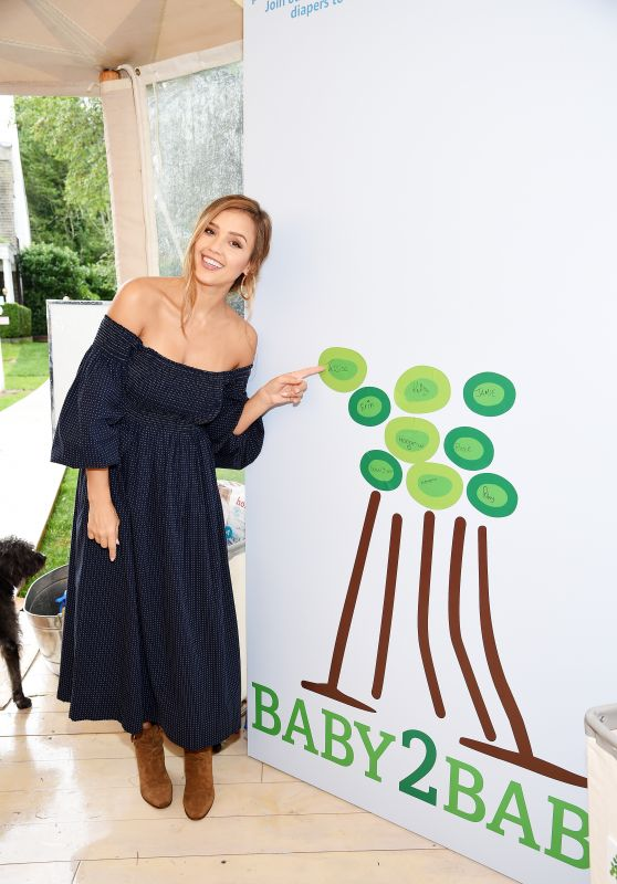 Jessica Alba - The GREAT Adventure in East Hampton, New York 08/05/2017