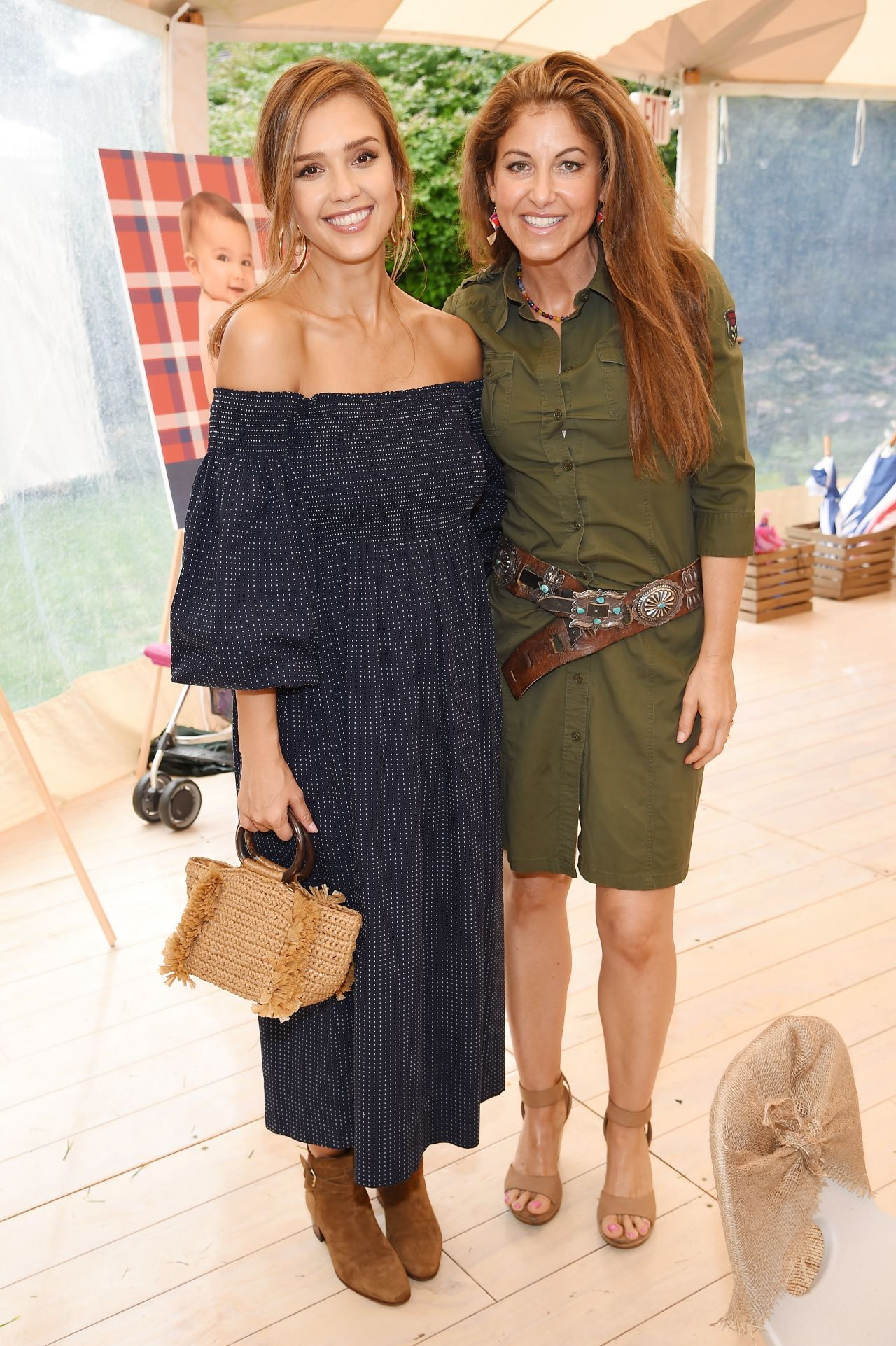 http://celebmafia.com/wp-content/uploads/2017/08/jessica-alba-the-great-adventure-in-east-hampton-new-york-08-05-2017-4.jpg