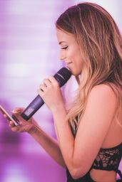 Jessica Lowndes - Celebrity Social Media 08/23/2017