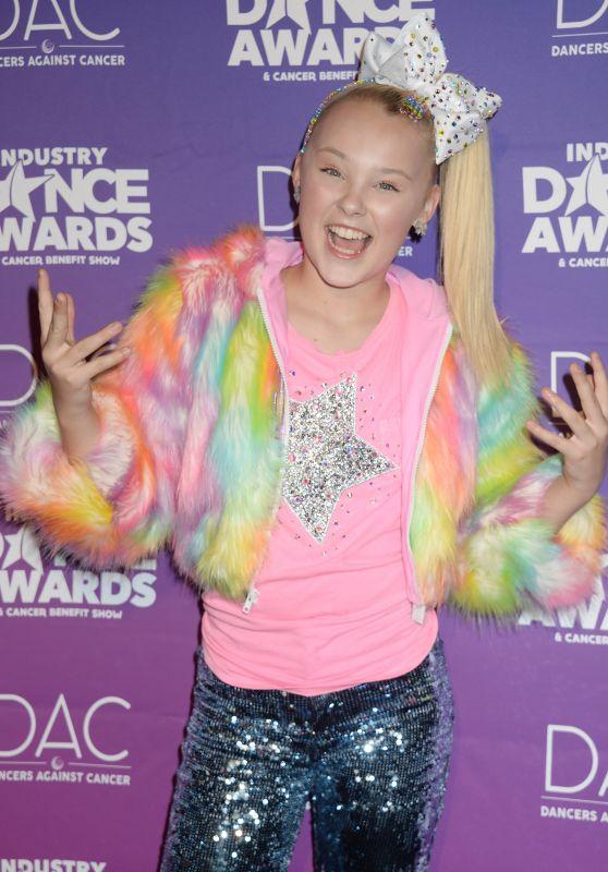 JoJo Siwa – Industry Dance Awards in Hollywood 08/16/2017