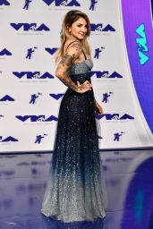 Julia Michaels – MTV Video Music Awards in Los Angeles 08/27/2017