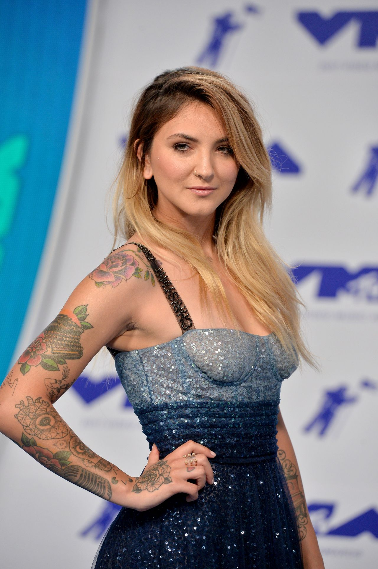 Julia Michaels Mtv Video Music Awards In Los Angeles 08 27 2017