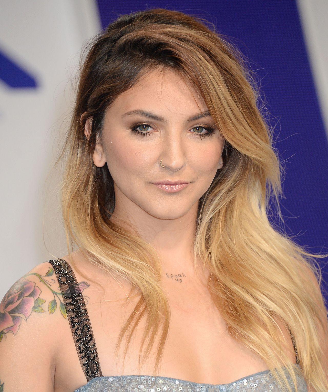 Julia Michaels - MTV Video Music Awards in Los Angeles 08 ...
