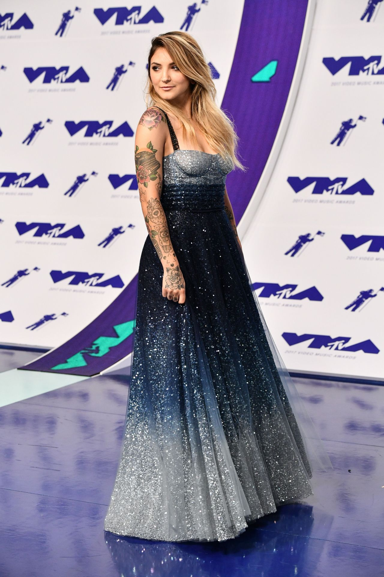 Julia Michaels Mtv Video Music Awards In Los Angeles 08