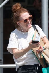 Julianne Moore Chatting on the Phone - New York City, August 2017