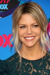 Kaitlin Olson - Teen Choice Awards in Los Angeles 08/13/2017
