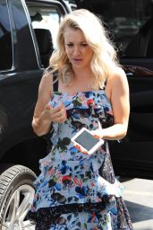 "Kaley Cuoco - Arrives to the Taping of ""Extra"" in Los Angeles 08/30/2017"