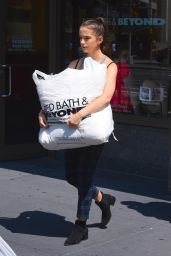 Kate Beckinsale and Daughter Lily Mo Sheen - Shopping in New York City 08/26/2017