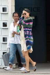 """Kate Hudson - """"Sister"""" Movie Set in Los Angeles 08/16/2017"""