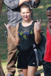 "Kate Hudson -""Sister"" Movie Set in Los Angeles 08/21/2017"