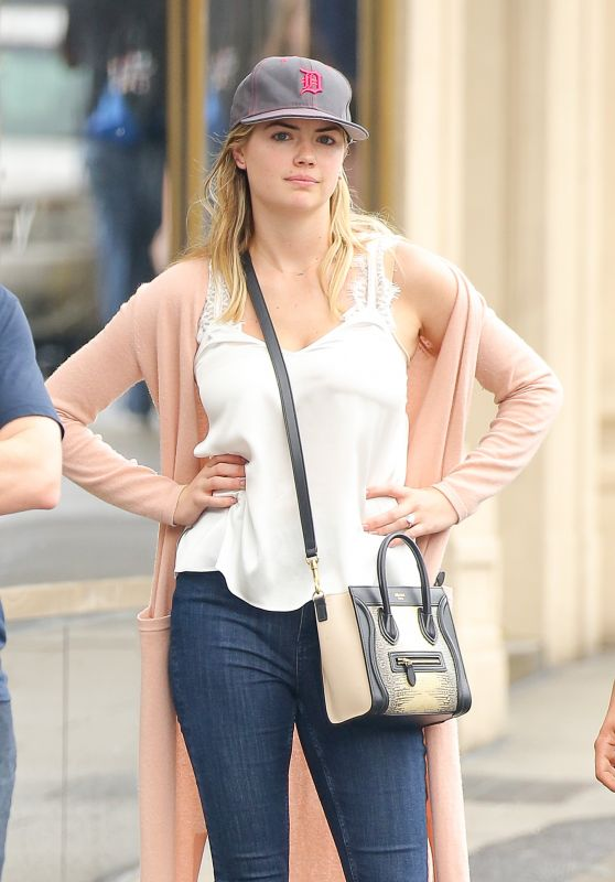 Kate Upton - Heading to Lunch at Sarabeth
