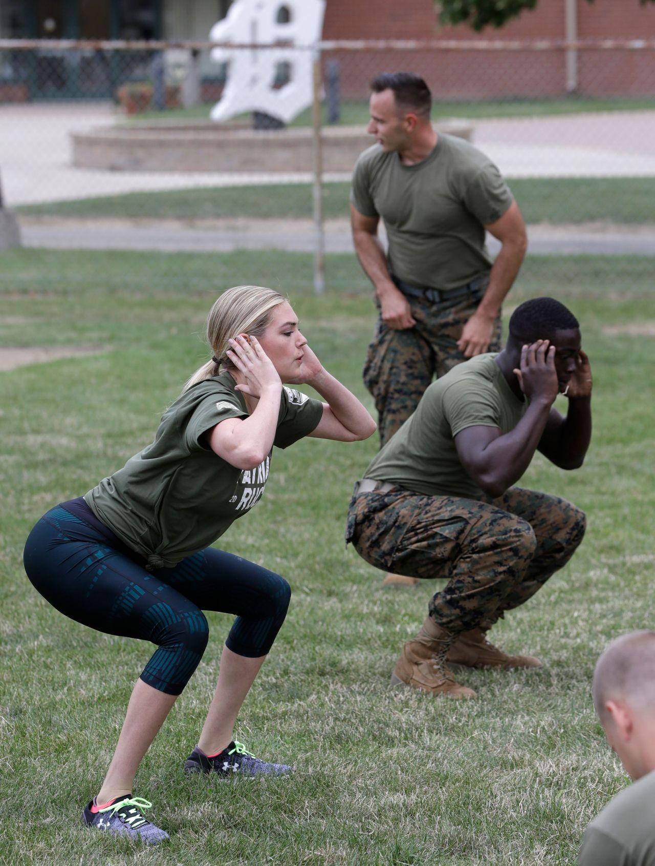 Kate Upton Marine Workout In Detroit 08 22 2017