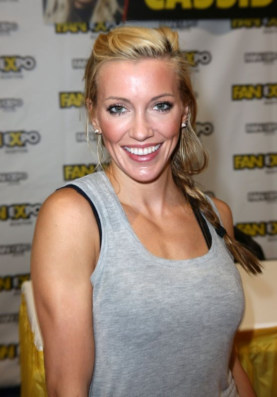 Katie Cassidy - Comic-Con in Boston 08/13/2017