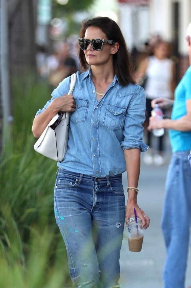 Katie Holmes Shopping In Beverly Hills 08032017