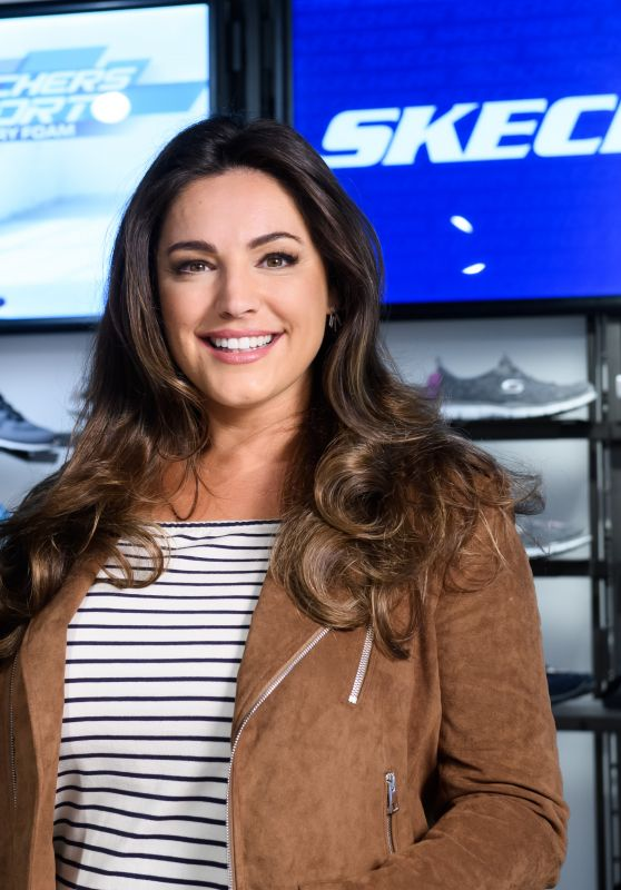 Kelly Brook at Debenhams - Celebrate the Launch of a New Range of Sketchers 08/03/2017