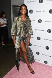 Kelly Rowland – Beautycon Festival in Los Angeles 08/12/2017